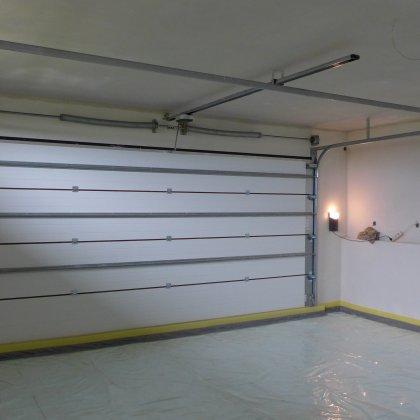 Průmyslová a garážová vrata Trido